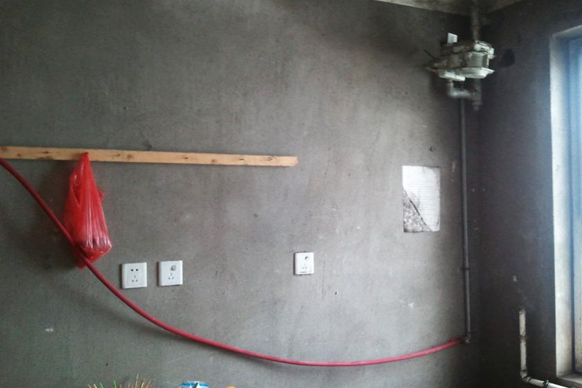 廚房間的天然氣管道私自接