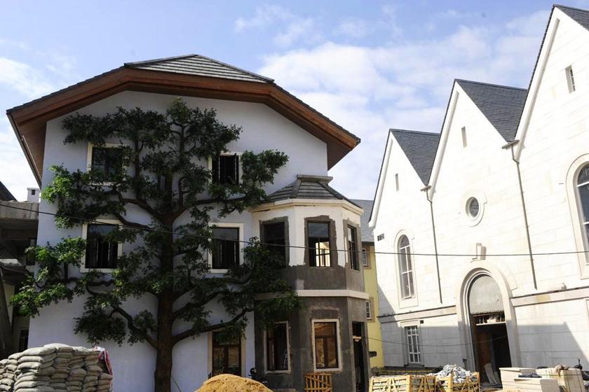 广东惠州,正在建设中的山寨版奥地利名村哈尔斯塔特
