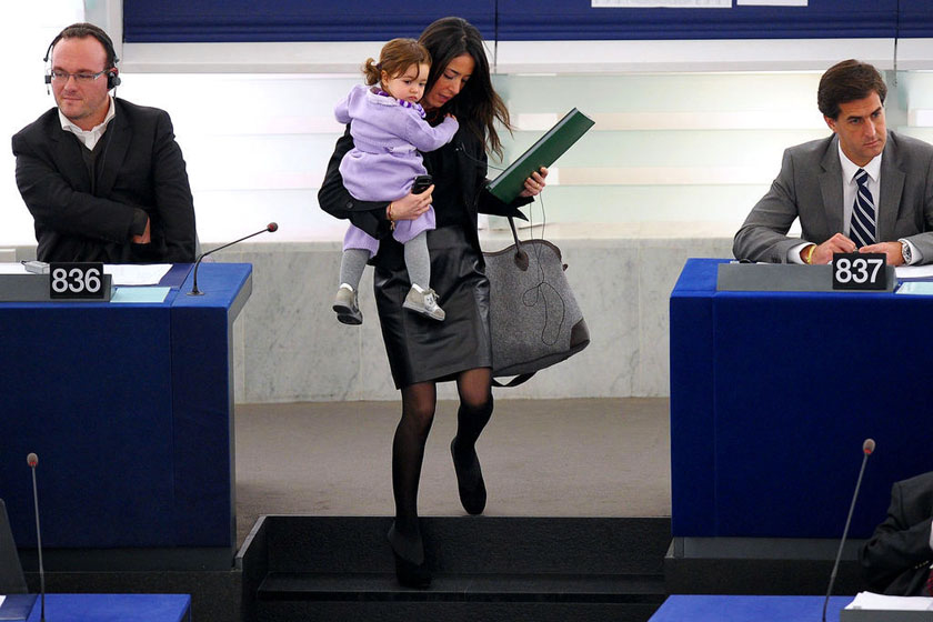 意大利女议员小女儿成欧洲议会常客