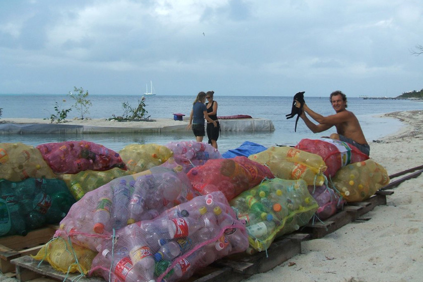 因为一些人认为,如果小岛再次被飓风毁坏,将会把一些垃圾倾泄到大西洋