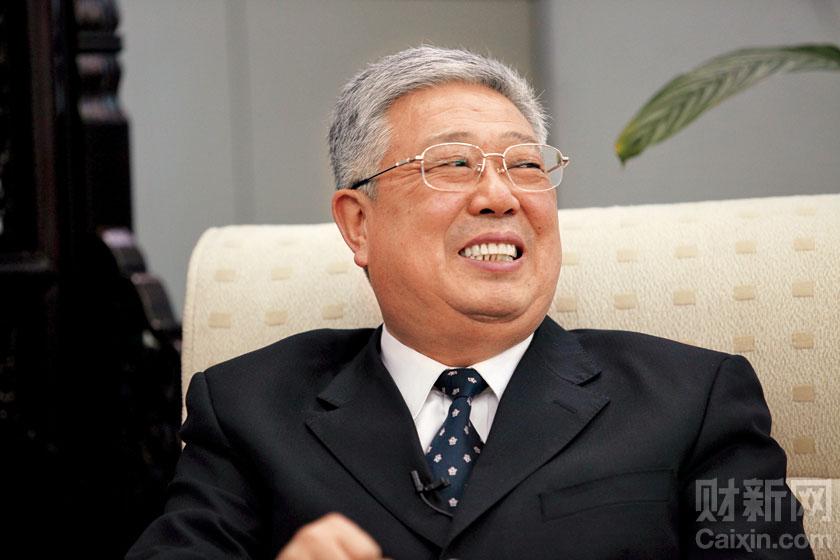 """""""两会""""之后,北京市东城区的北河沿大街,民政部部长李立国在民政部内院3楼的接待厅接受了财新记者的专访。牛光 摄_民政部长谈""""结社"""""""