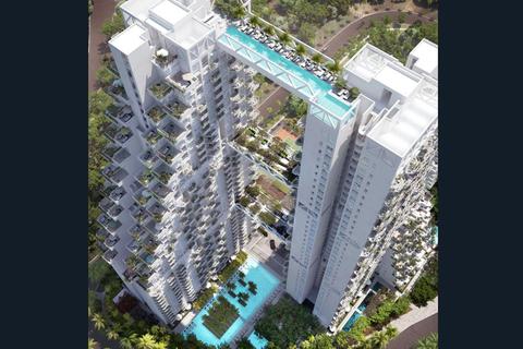 """新加坡顶级公寓""""晴宇""""楼顶悬空游泳池。Sky Hotel/Whitehotpix/东方IC_全球超另类游泳池"""
