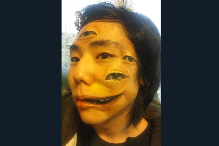日本大学生创作逼真人体彩绘