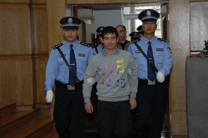 11月6日,云南昆明,糯康被押进法庭。  张浩林/CFP_湄公河案四名主犯被判死刑