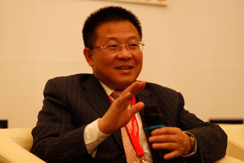 11月16日,苏宁电器股份有限公司副董事长、中国连锁经营协会副会长孙为民。   王攀/财新记者_电商:死而后生?