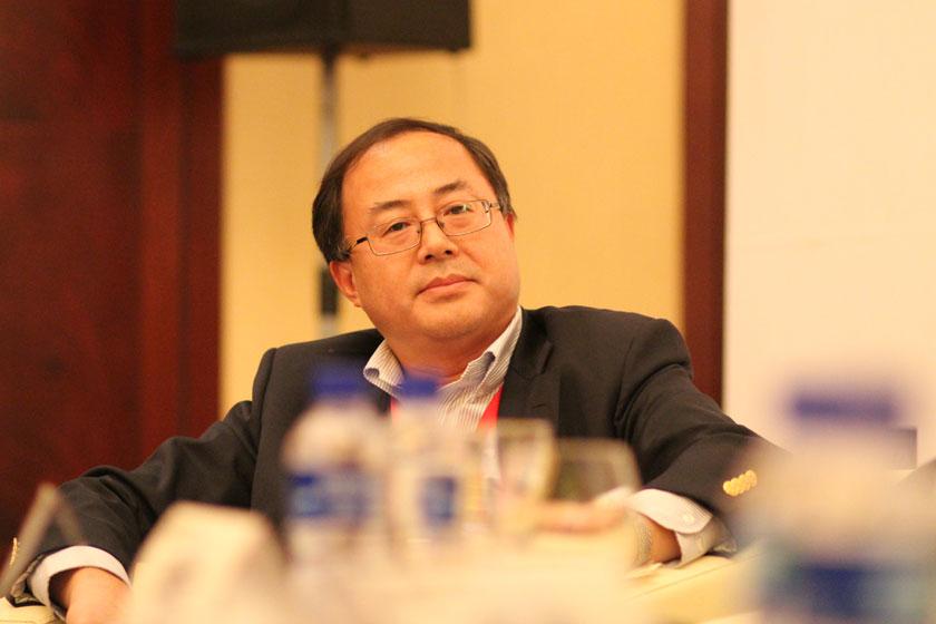 11月16日,中国证券监督管理委员会深圳证监局局长焦津洪。   王可/财新记者_议题:PE的问题