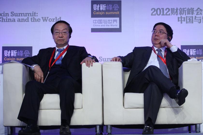 11月17日,李毅中和李剑阁。    牛光/财新记者_议题:中国经济新增长