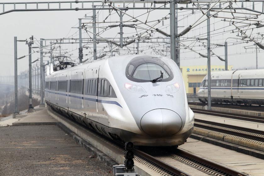 高铁/高铁正式开通运营,与此前已经开通运营的郑州至武汉、武汉至
