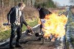 英国男子自制喷气式喷火自行车