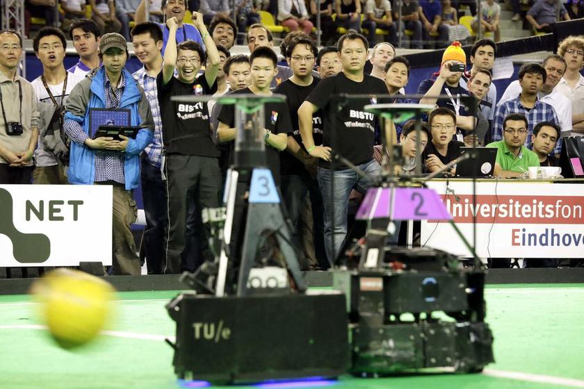 中国夺得机器人世界杯足球赛冠军