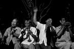 牛光摄影:北京街头自娱自乐的老人