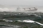 载18名中国人货船韩国沉没