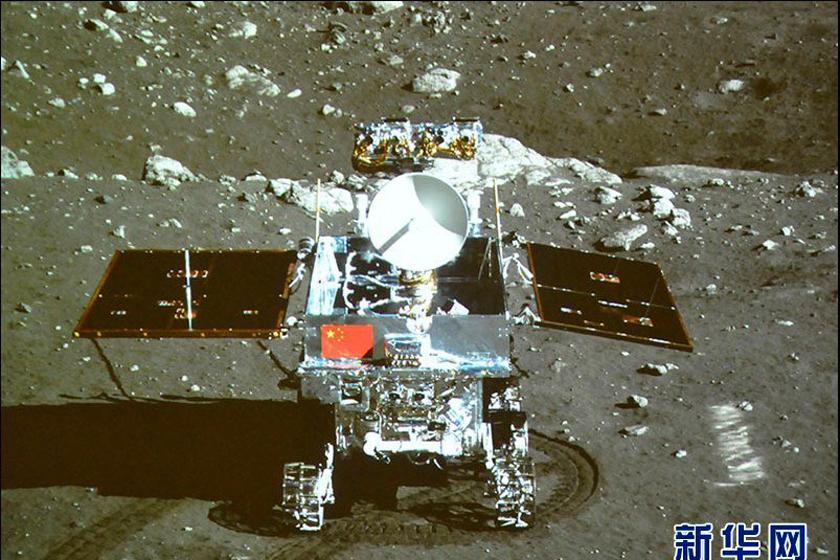 嫦娥3号传回图片_嫦娥与玉兔月面互拍照传回_图片频道_财新网