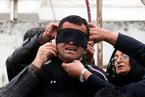 伊朗杀人犯刑场被受害人母亲释放