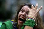 世界杯半决赛巴西惨败德国 双方球迷悲喜反差大