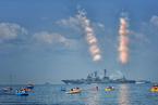 俄罗斯举行盛大阅兵庆祝海军日