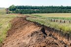乌克兰在与俄边境挖300千米战壕