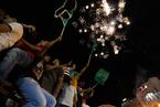 巴勒斯坦民众庆祝巴以达成长期停火协议