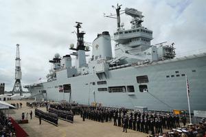 英国唯一现役航母退役
