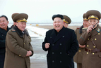 金正恩视察并指导朝鲜空军战斗飞行员训练