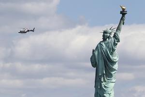 纽约自由女神像遭炸弹威胁 游客被疏散
