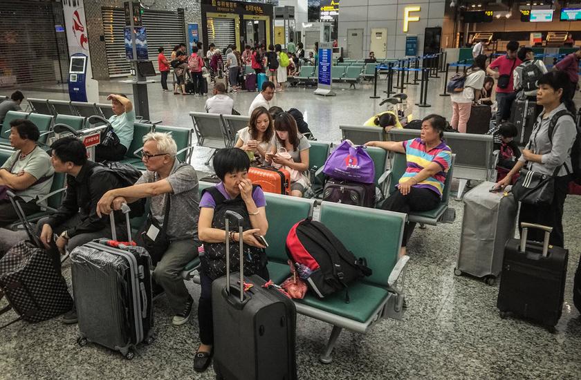 广州暴雨致航班大面积延误