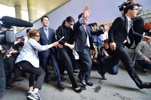 """韩国""""坚果返航""""肇事者二审获刑10个月"""