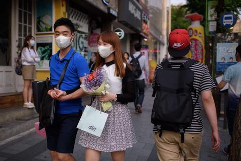 抗疫情戴口罩