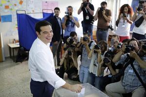 希腊总理及总统参加债务问题全民公投
