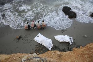利比亚海岸边发现95具偷渡者尸体