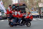 全国交通安全日:超载上路猛于虎
