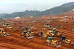 深圳垮塌第八天 百台推土机入场紧张作业