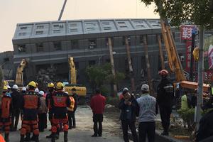 台南重灾区维冠大楼仍有逾百人被困