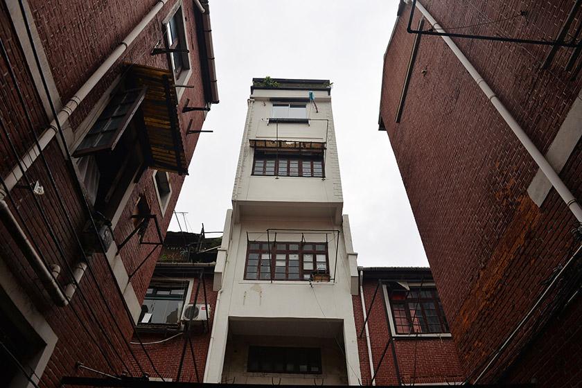 上海39平水塔房变身空中别墅