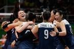 一周人物:女排挺进奥运决赛 拜登助阵希拉里