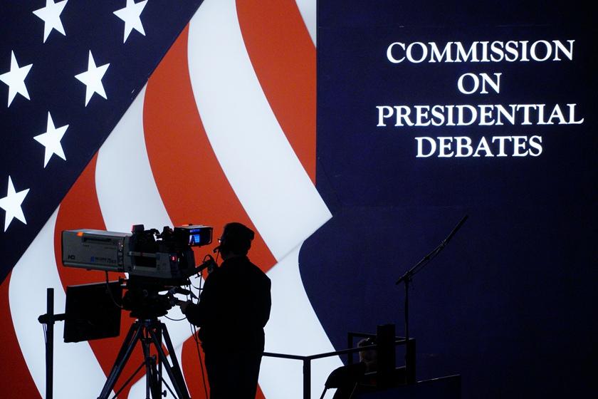 """美国大选辩论第三场在即 看看前两次如何""""撕"""""""