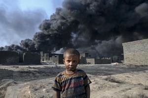 """""""伊斯兰国""""点燃摩苏尔地区油井"""