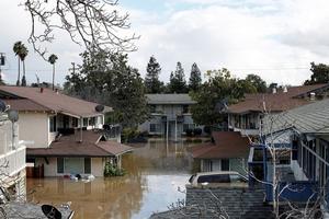 美国圣何塞遭遇百年来最严重洪灾