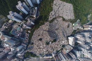 清明期间俯瞰香港各大墓地 阴阳两隔拥挤共存