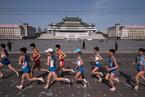 朝鲜平壤马拉松开跑 吸引数百名外国选手参加