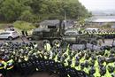 驻韩美军全面部署萨德 韩国民众抵抗对峙