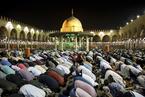 """世界各地穆斯林清真寺祷告 纪念""""吉庆夜"""""""