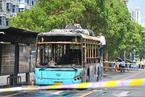 男子公交车纵火被烧死 乘客司机安全逃离