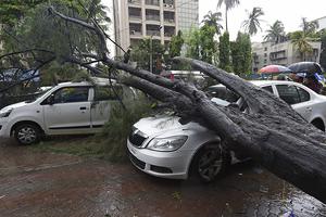 印度雨季暴雨引发洪灾