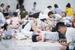杭州持续高温 大批民众涌入地铁站纳凉