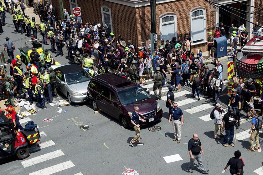 美国弗吉尼亚州爆发大规模冲突 造成1死多伤