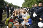 德国活动家躺铁轨抗议煤矿开采 遭警察驱赶