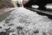 山西太原遇强对流天气 天降冰雹最大如鹌鹑蛋