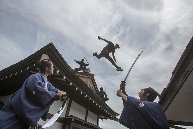 """德国跑酷大神在日本开跑 化身""""忍者""""飞檐走壁"""