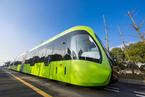 全球首列智轨列车上路试运行 可实现无人驾驶